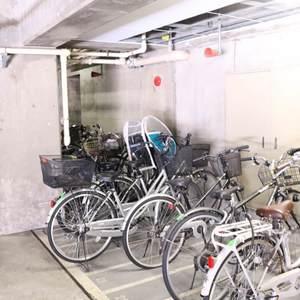 春日ビューハイツの駐輪場