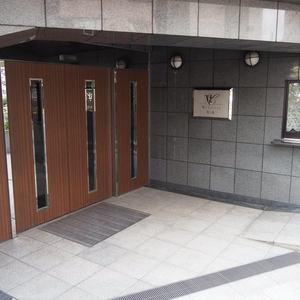 マイキャッスル代々木のマンションの入口・エントランス