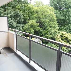 御苑パビリオン(6階,2998万円)のバルコニー