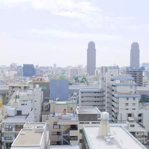 ファミール亀戸(13階,)のフロア廊下(エレベーター降りてからお部屋まで)