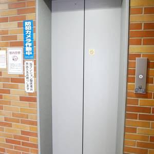 ハピーハイツニュー亀戸のエレベーターホール、エレベーター内
