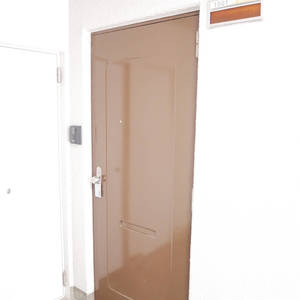 ハピーハイツニュー亀戸(10階,2680万円)のフロア廊下(エレベーター降りてからお部屋まで)