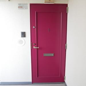 中銀亀戸マンシオン(7階,3580万円)のフロア廊下(エレベーター降りてからお部屋まで)