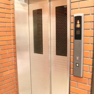 ライオンズステーションプラザ大塚第2(10階,)のフロア廊下(エレベーター降りてからお部屋まで)