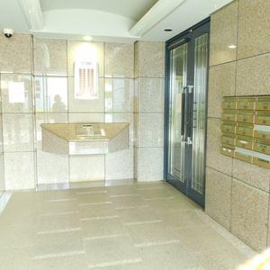 池袋西ハイムのマンションの入口・エントランス