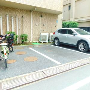 池袋西ハイムの駐車場