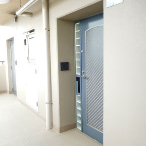 池袋西ハイム(4階,)のフロア廊下(エレベーター降りてからお部屋まで)