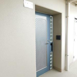 池袋西ハイム(5階,)のフロア廊下(エレベーター降りてからお部屋まで)