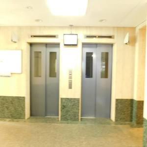 シーアイマンション池袋西のエレベーターホール、エレベーター内