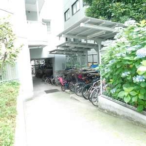 東池袋ハイツ弐番館の駐輪場