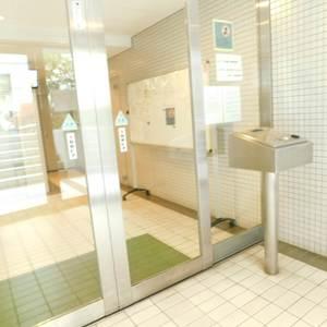 東池袋ハイツ弐番館のマンションの入口・エントランス