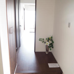 クローバー六本木(10階,)のお部屋の廊下