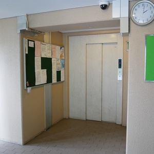 ライオンズマンション門前仲町第3のエレベーターホール、エレベーター内
