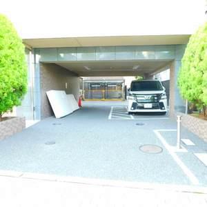フォルトゥナ目白の駐車場