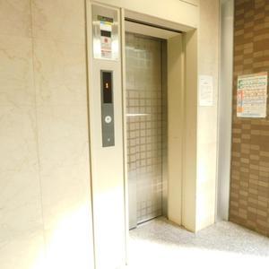 フォルトゥナ目白のエレベーターホール、エレベーター内