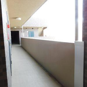 フォルトゥナ目白(4階,)のフロア廊下(エレベーター降りてからお部屋まで)