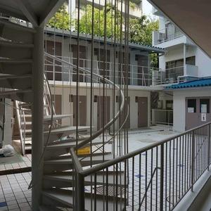マンション目黒苑(1階,)のフロア廊下(エレベーター降りてからお部屋まで)