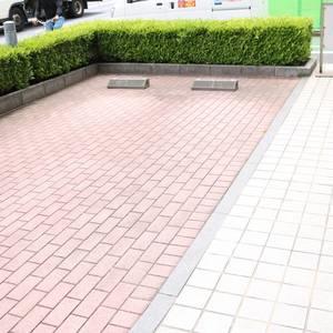 フォルティア文京千石の駐車場