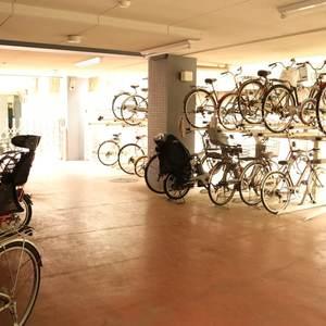 フォルティア文京千石の駐輪場