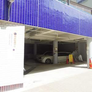塔の山ハイツの駐車場