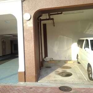 中落合東豊エステートの駐車場