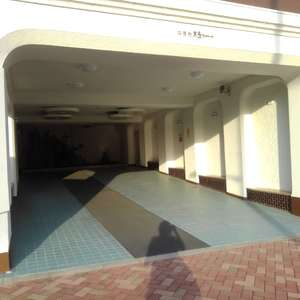 中落合東豊エステートのマンションの入口・エントランス