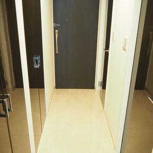 パレステュディオ六本木イースト2(2階,6580万円)のお部屋の玄関
