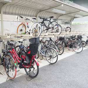 デュオスカーラ西麻布タワーEASTの駐輪場
