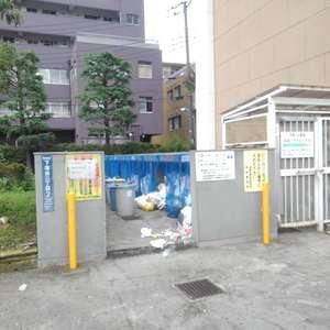 高田馬場住宅のごみ集積場