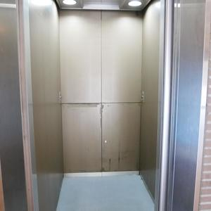 ライオンズマンション錦糸町親水公園第2のエレベーターホール、エレベーター内