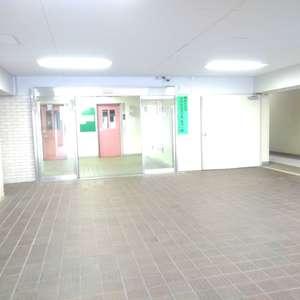 高田馬場住宅の共用ロビー