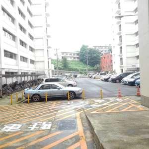 高田馬場住宅の駐車場