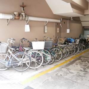 カーサ田原町の駐輪場