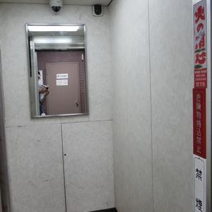 カーサ田原町のエレベーターホール、エレベーター内