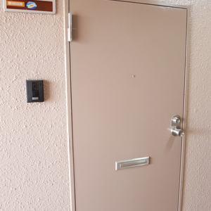 カーサ田原町(8階,)のフロア廊下(エレベーター降りてからお部屋まで)