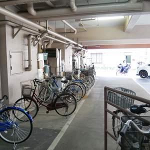 雷門永谷マンションの駐輪場