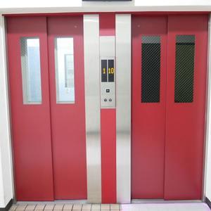 ライオンズマンション錦糸町第2のエレベーターホール、エレベーター内