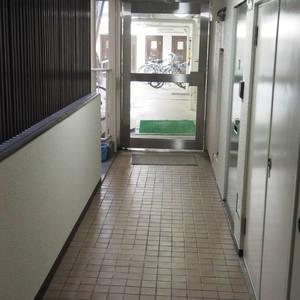 ヴィラロイヤル代々木のエレベーターホール、エレベーター内