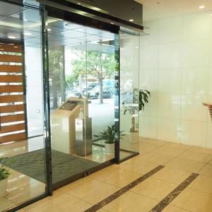 アクシア青山のマンションの入口・エントランス