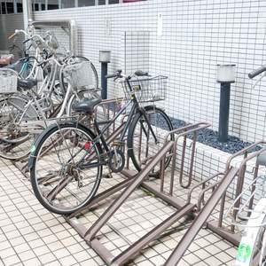 日興パレス雷門の駐輪場