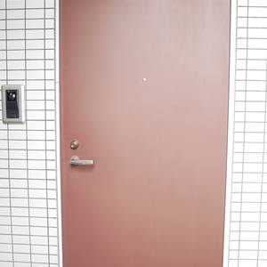 日興パレス雷門(8階,)のフロア廊下(エレベーター降りてからお部屋まで)