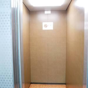 日興パレス雷門のエレベーターホール、エレベーター内