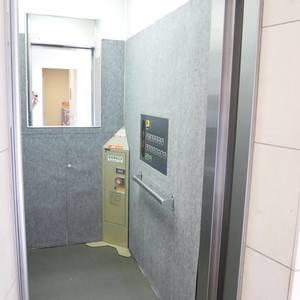 シティハウス浅草ステーションコートのエレベーターホール、エレベーター内