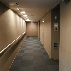 シティハウス浅草ステーションコート(2階,3698万円)のフロア廊下(エレベーター降りてからお部屋まで)