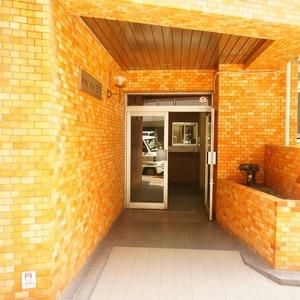 ネオハイツ田町のマンションの入口・エントランス