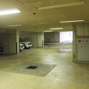 ハウス中野の駐車場