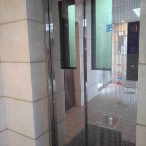ボヌール目白台のエレベーターホール、エレベーター内