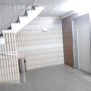 目白台コーポのエレベーターホール、エレベーター内