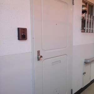 目白台コーポ(4階,)のフロア廊下(エレベーター降りてからお部屋まで)