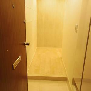 ブロードウェイ(6階,)のお部屋の玄関